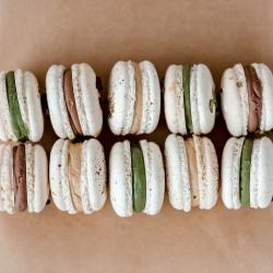 Šią savaitę macaronsų mylėtojams rojus! @wolt.lietuva rinkiniams po 10 vnt taikoma speciali kaina - 10.50 eur (vietoje 14.50 eur). Puiki proga pasimėgauti ir švęsti gyvenimą!